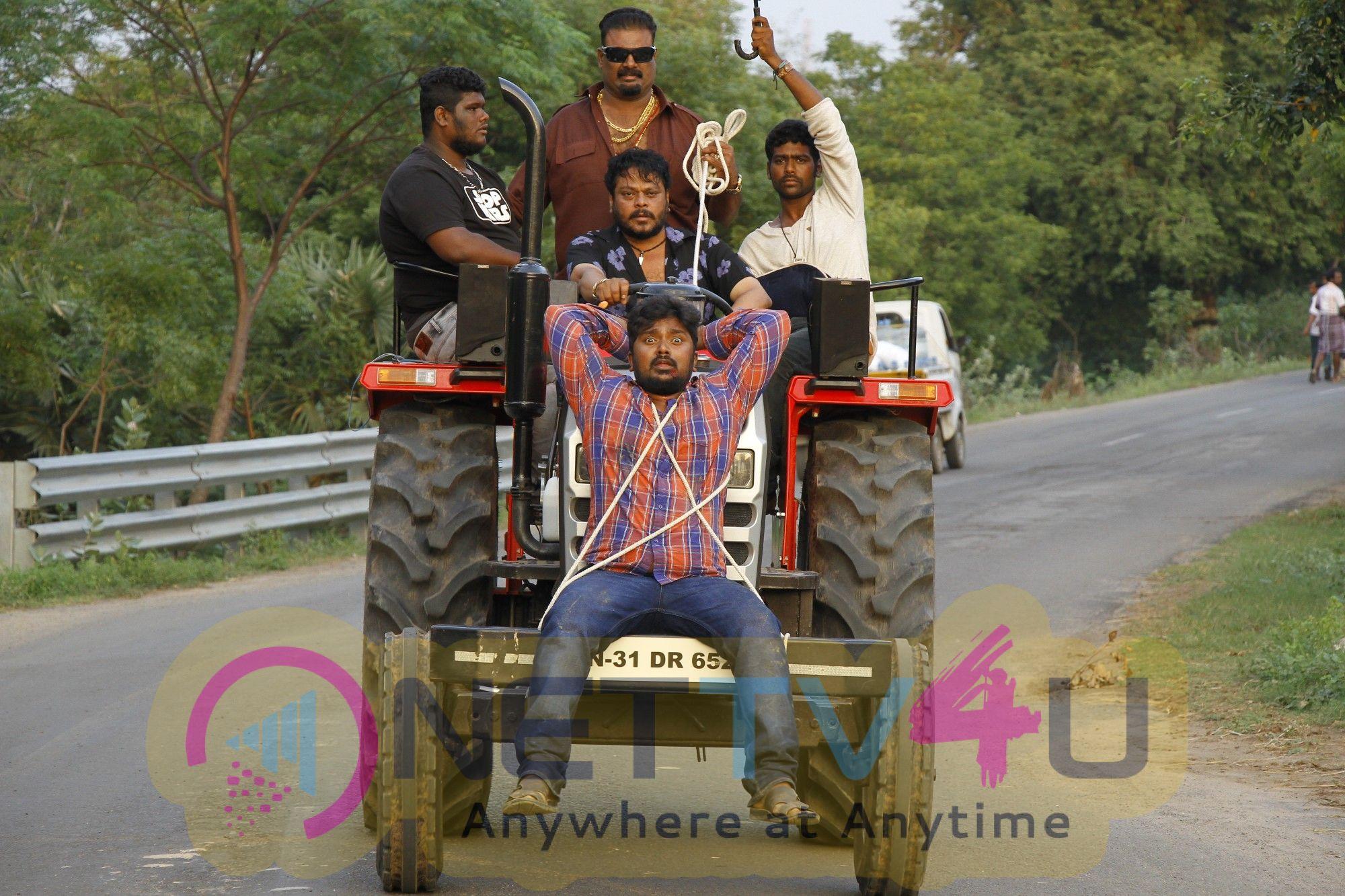 En Aaloda Seruppa Kaanom Movie Images
