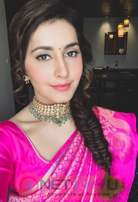 Actress Rashi Khanna Launched CMR Shopping Mall In Tirupati Pics