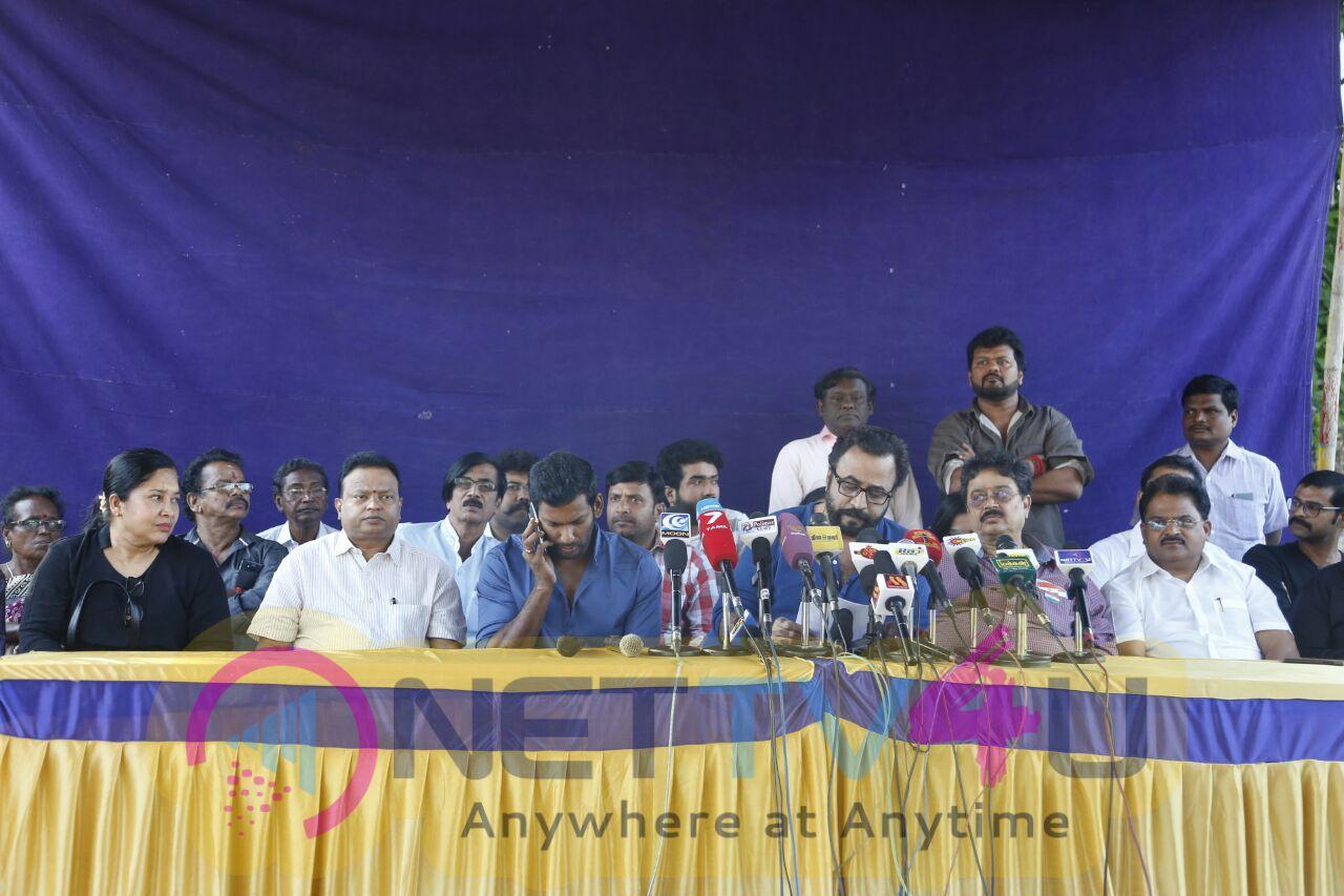 Nadigar Sangam Urgent Press Meet For Jallikattu