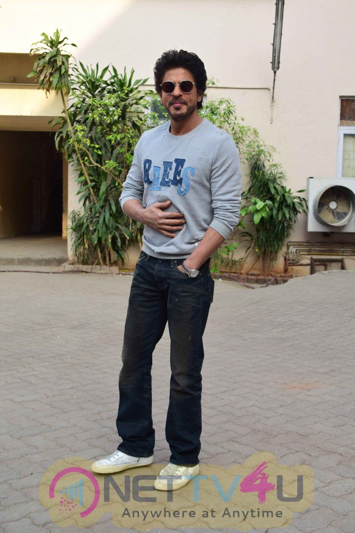 Shah Rukh Khan At Film Raees Media Meet Photos