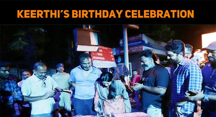 Keerthi Pandian Celebrated Her Birthday In Anbi..
