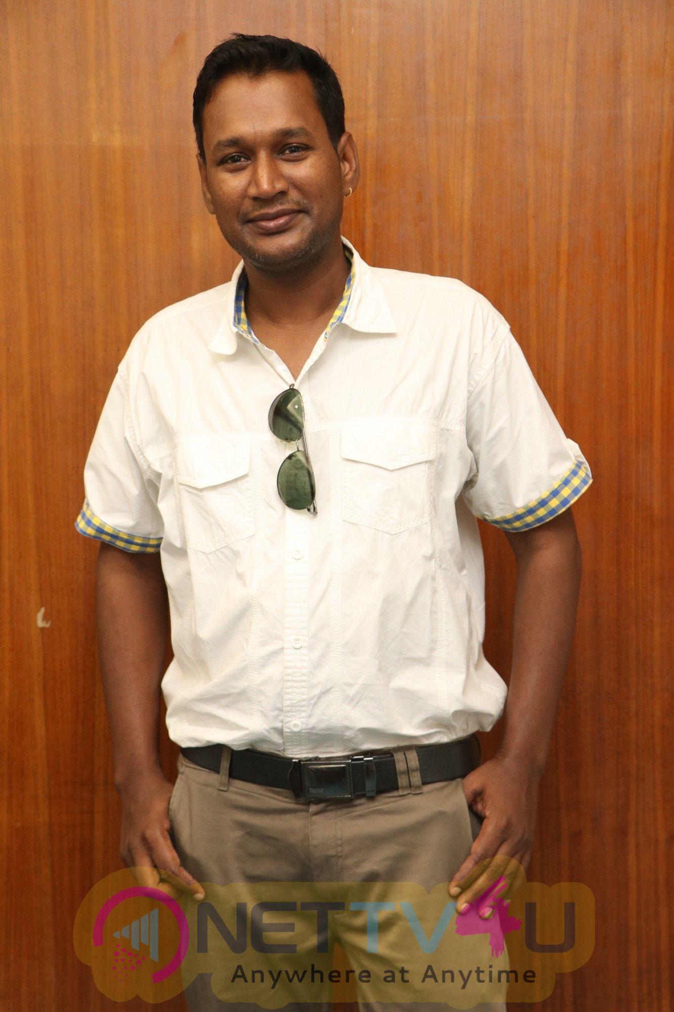 Ilai Tamil Movie Team Meet Stills