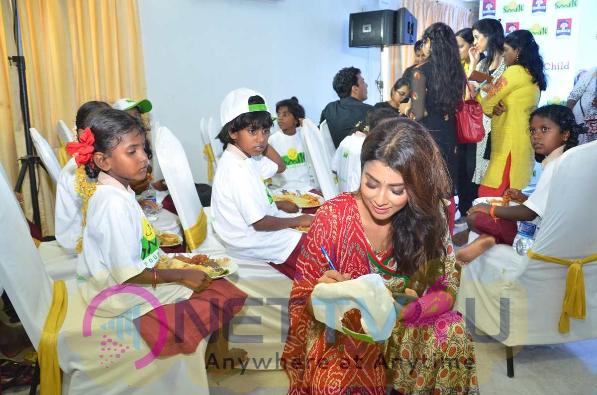 Quaker And Smile Foundation Feed A Child Event Stills