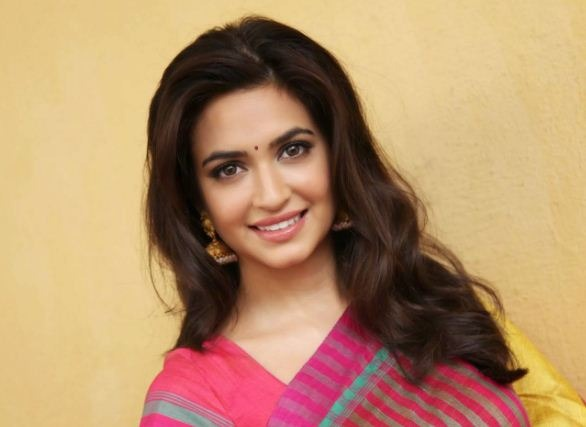 What Is The Reason For Kriti's Swoon?