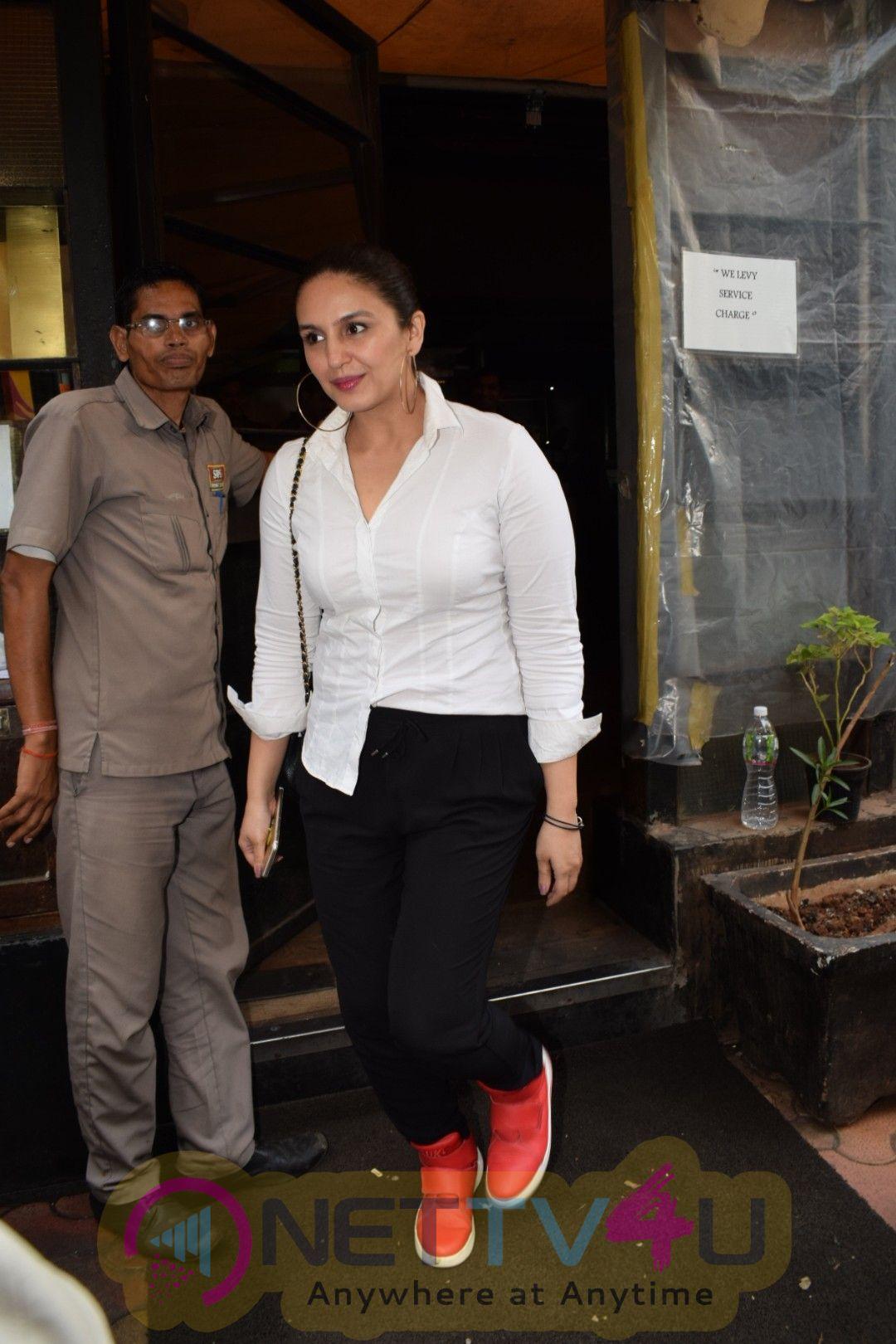 Huma Qureshi Came To Indigo Hindi Gallery