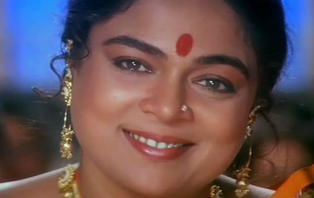 Veteran Bollywood Star Reema Lagoo Is No More! Tamil News