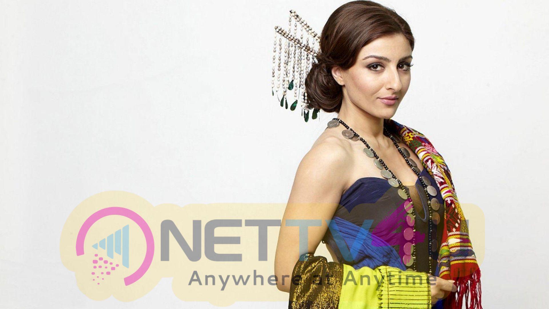 Actress Soha Ali Khan Stunning Stills