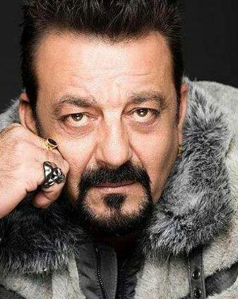 Bollywood Actor Praises Vivegam!