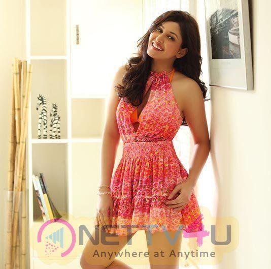 Actress Pooja Chopra Cute Photos