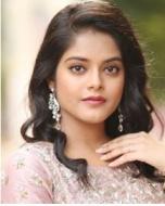 Riddhi Kumar Telugu Actress