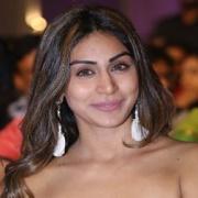 Myra Sareen Telugu Actress