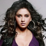 Meenakshi Arya Hindi Actress
