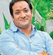 Deepak Tanwar Hindi Actor