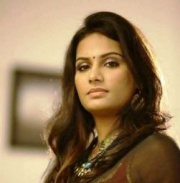 Lakshmi Priyaa Chandramouli Tamil Actress
