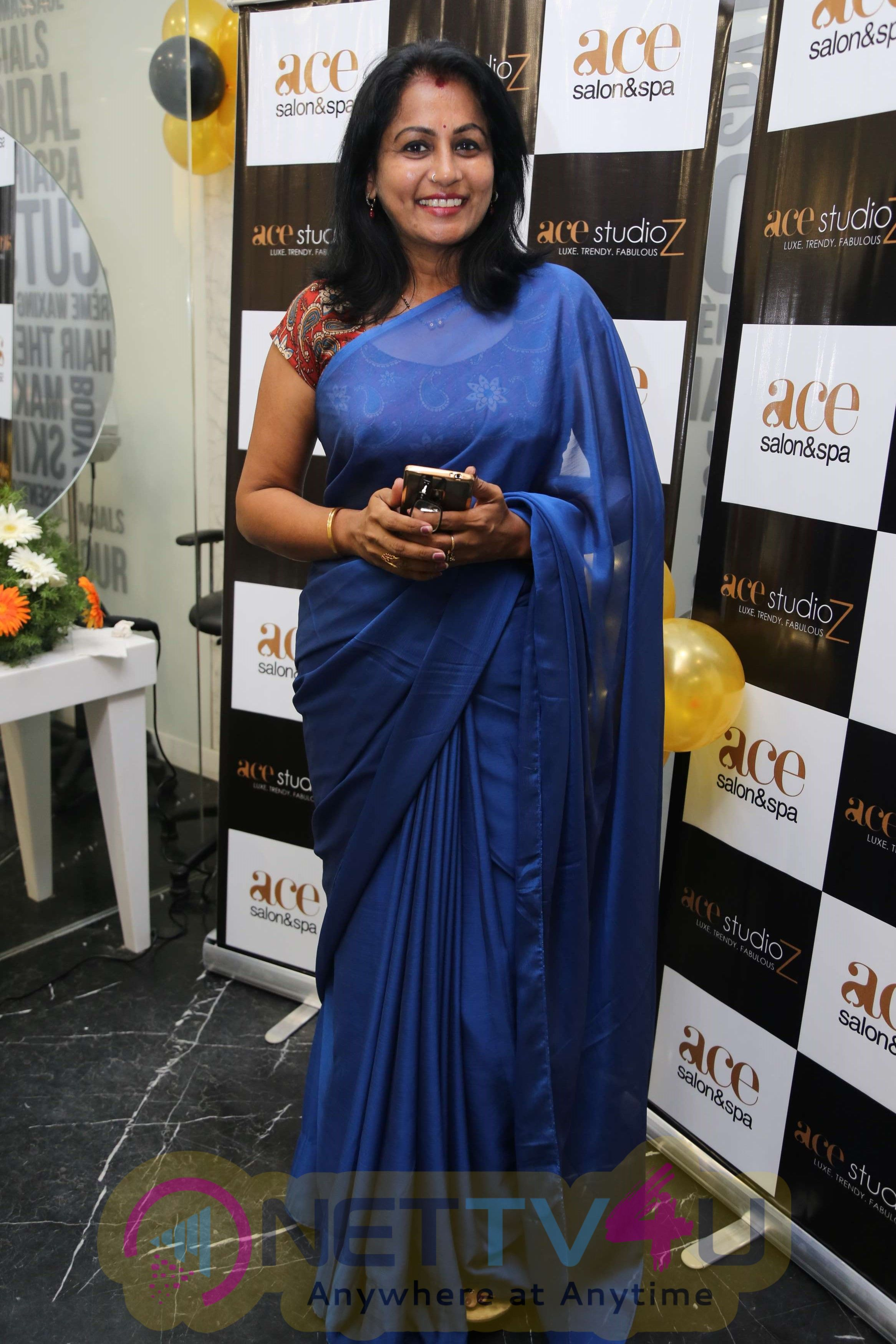 Actress Sakshi Agarwal Inaugurates Ace Studioz Salon & Spa