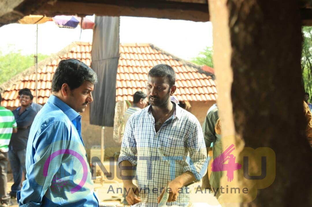 Oru Kidayin Karunai Manu Movie Working Stills