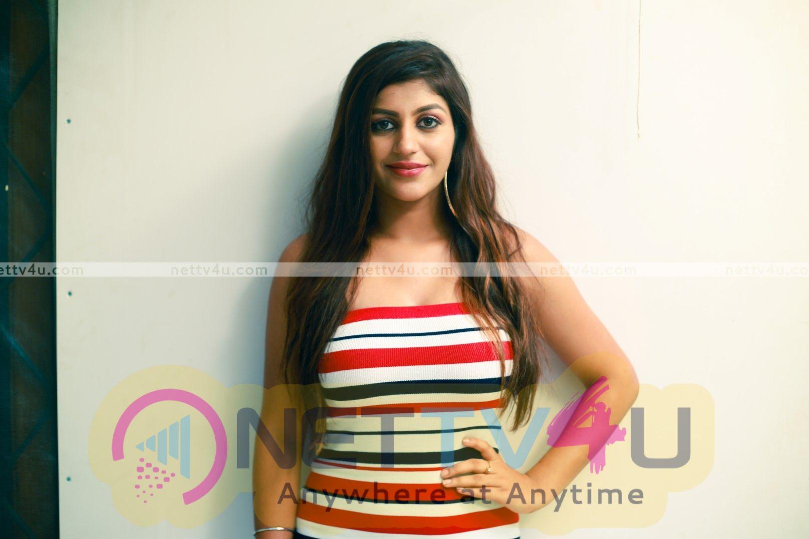 Actress Yasika Latest Photo Shoot Stills Tamil Gallery
