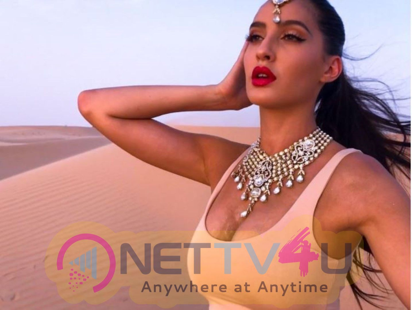 Nora Fatehi Glamourous Stills