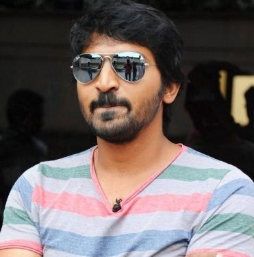 Vaibhav Watches Mersal On The First Day!