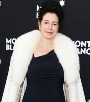 Sean Young  Still Desires To Play Cat Woman