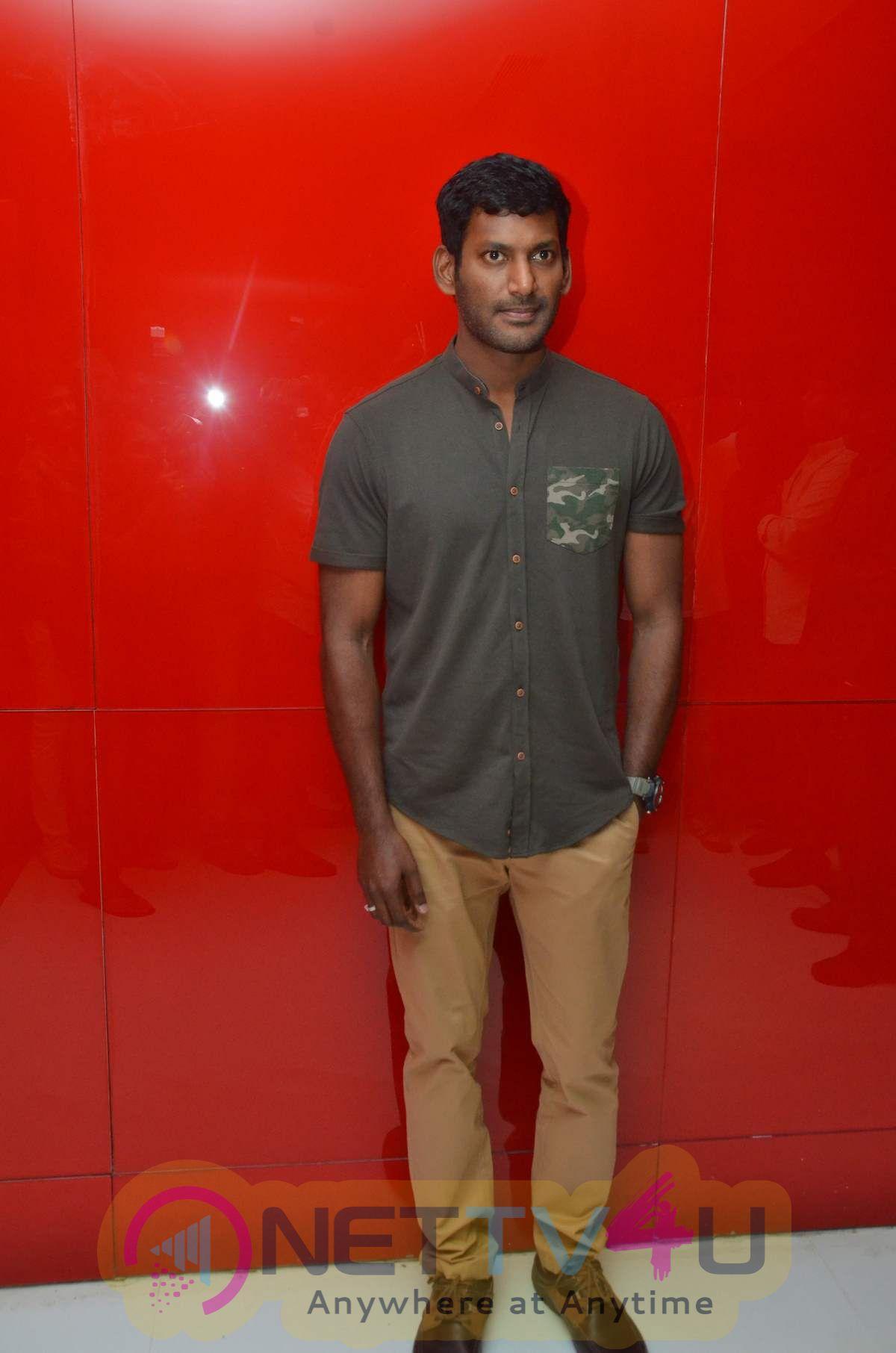 Actor Vishal Handsome Pics Tamil Gallery