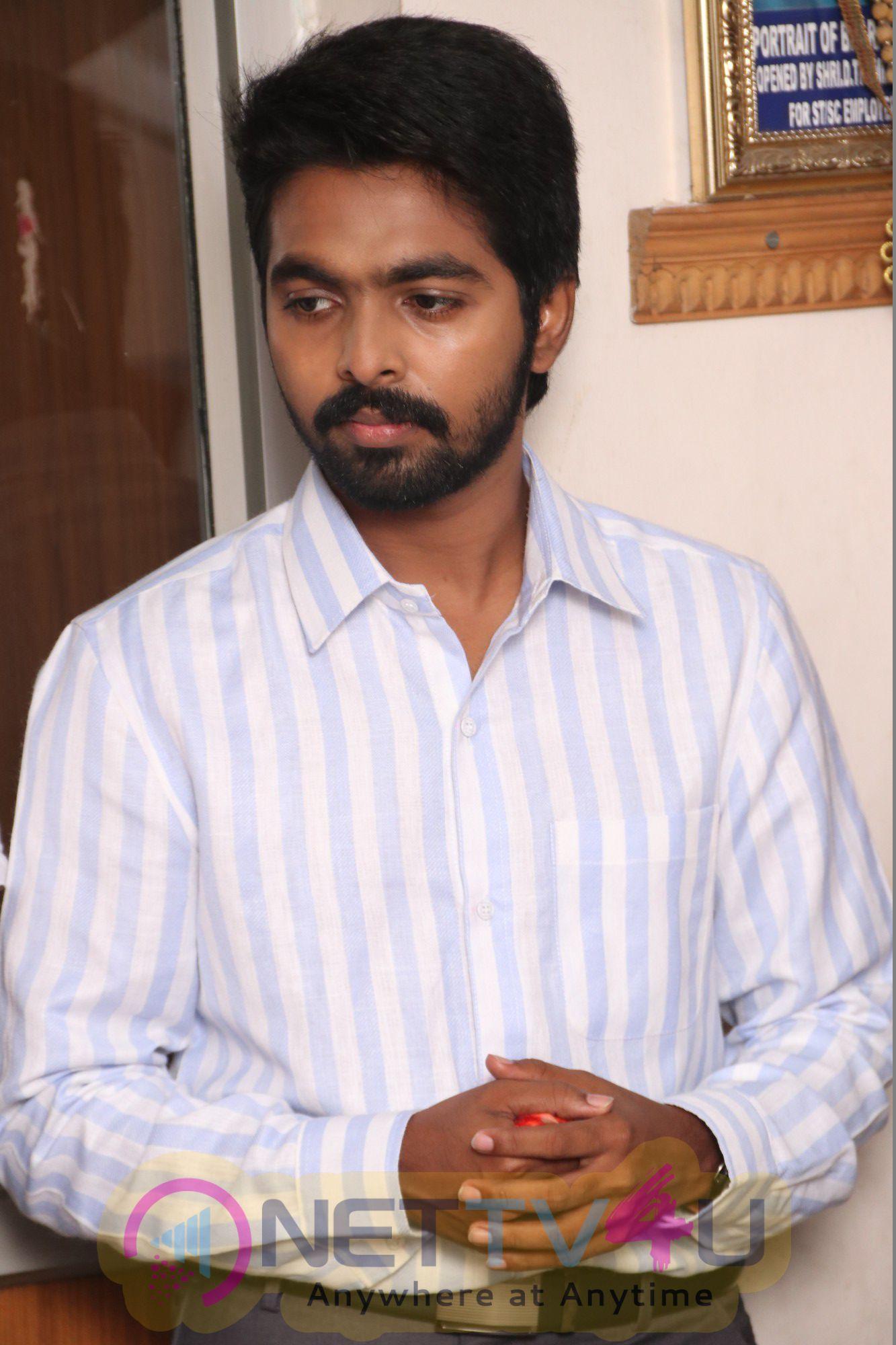 Ayngaran Tamil Movie Pooja Attractive Stills