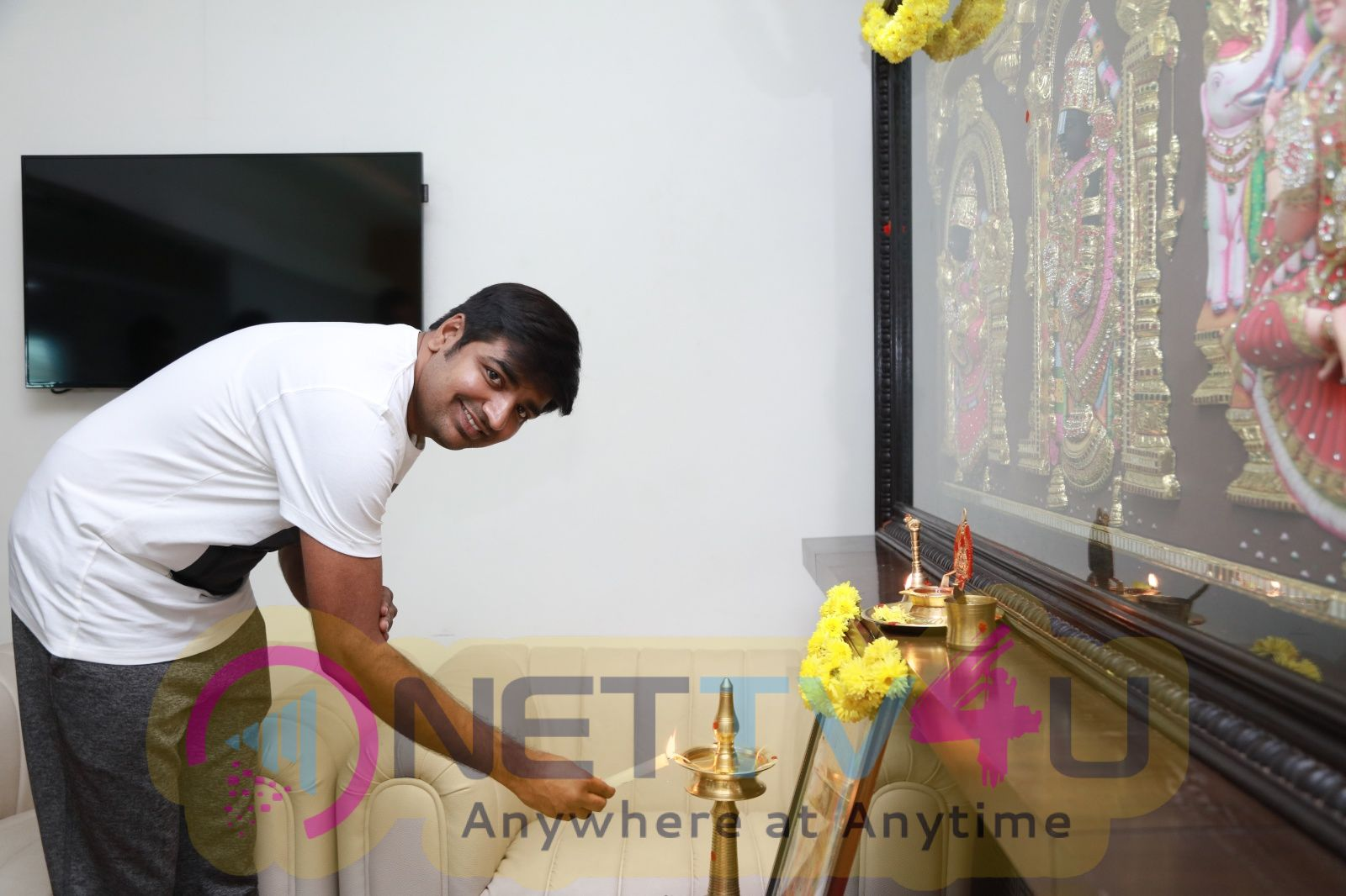 Ghajinikanth Movie Dubbing Started Photos