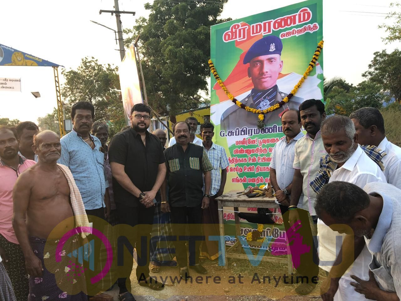 Actor Hamsavardhan Donates Rs 2 Lakhs To The Families Of The CRPF Jawans Subramaniam And Sivachandran