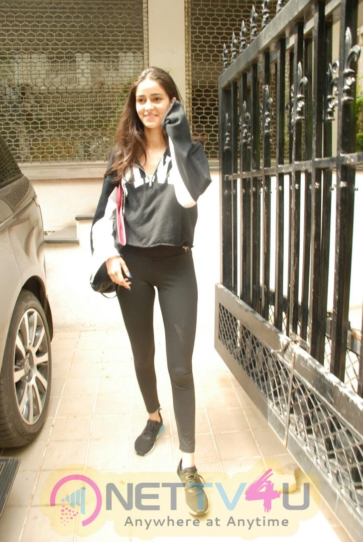 Ananya Panday Spotted At Bandra Beautiful Images