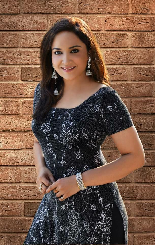 Lena Actress Latest Pics Malayalam Gallery