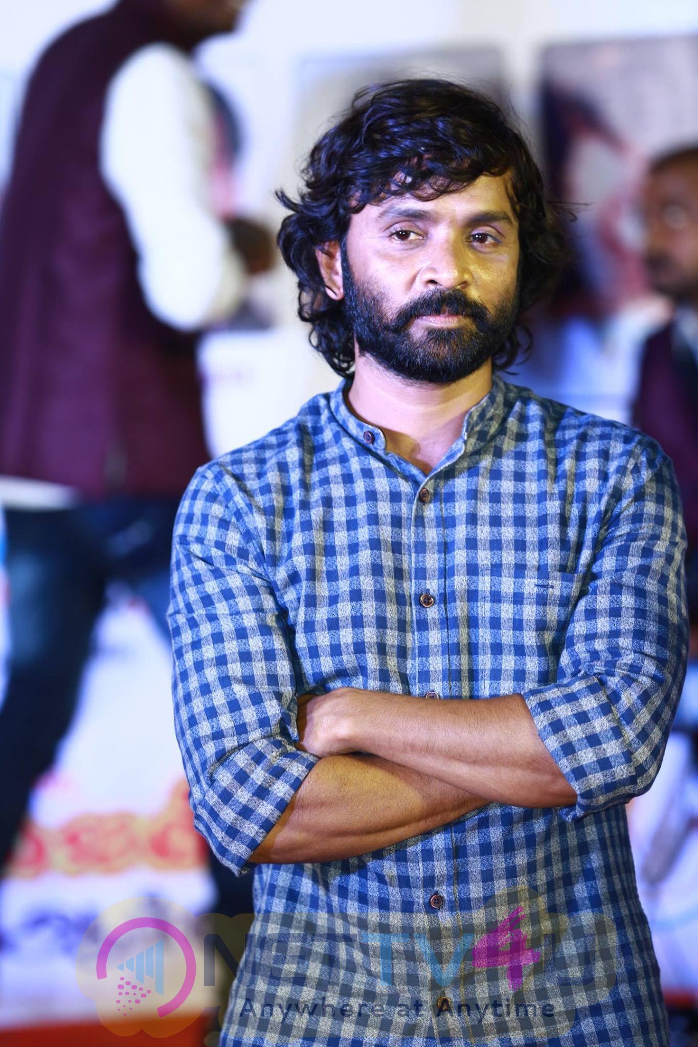 Lyricist, Big Boss Fame Snehan And Others Celebrated Deepavali Photos