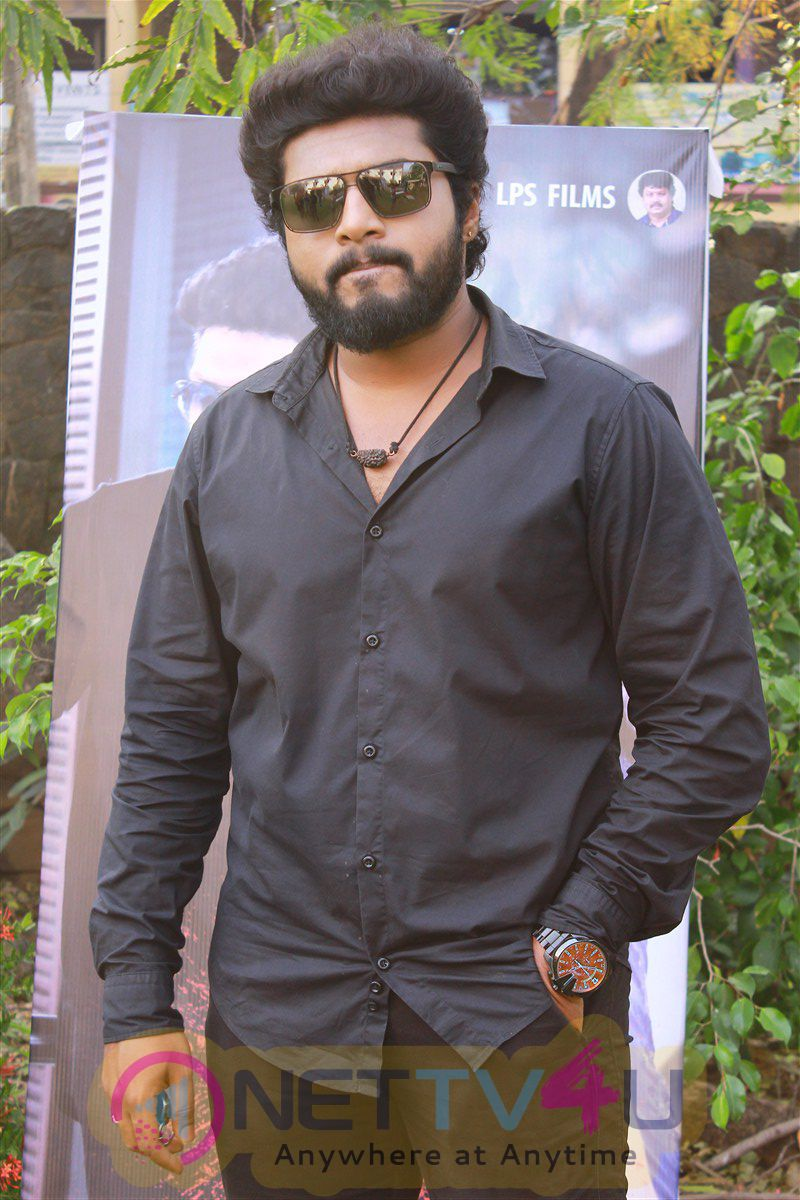 465 Movie Press Meet Cute Stills