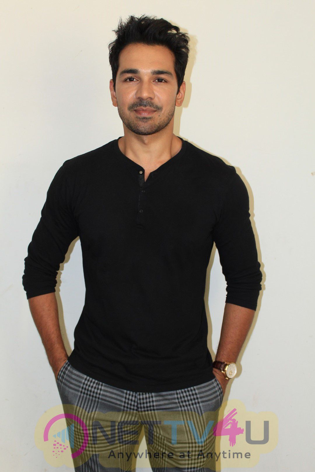 Abhinav Shukla's Interview For His Upcoming Movie Aksar 2 Photos