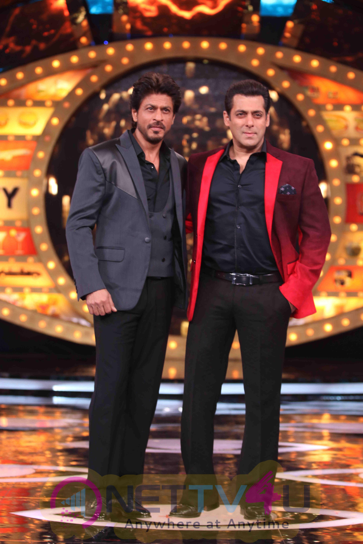 SRK And Salman Khan At Raees Promotions On Bigg Boss Photos