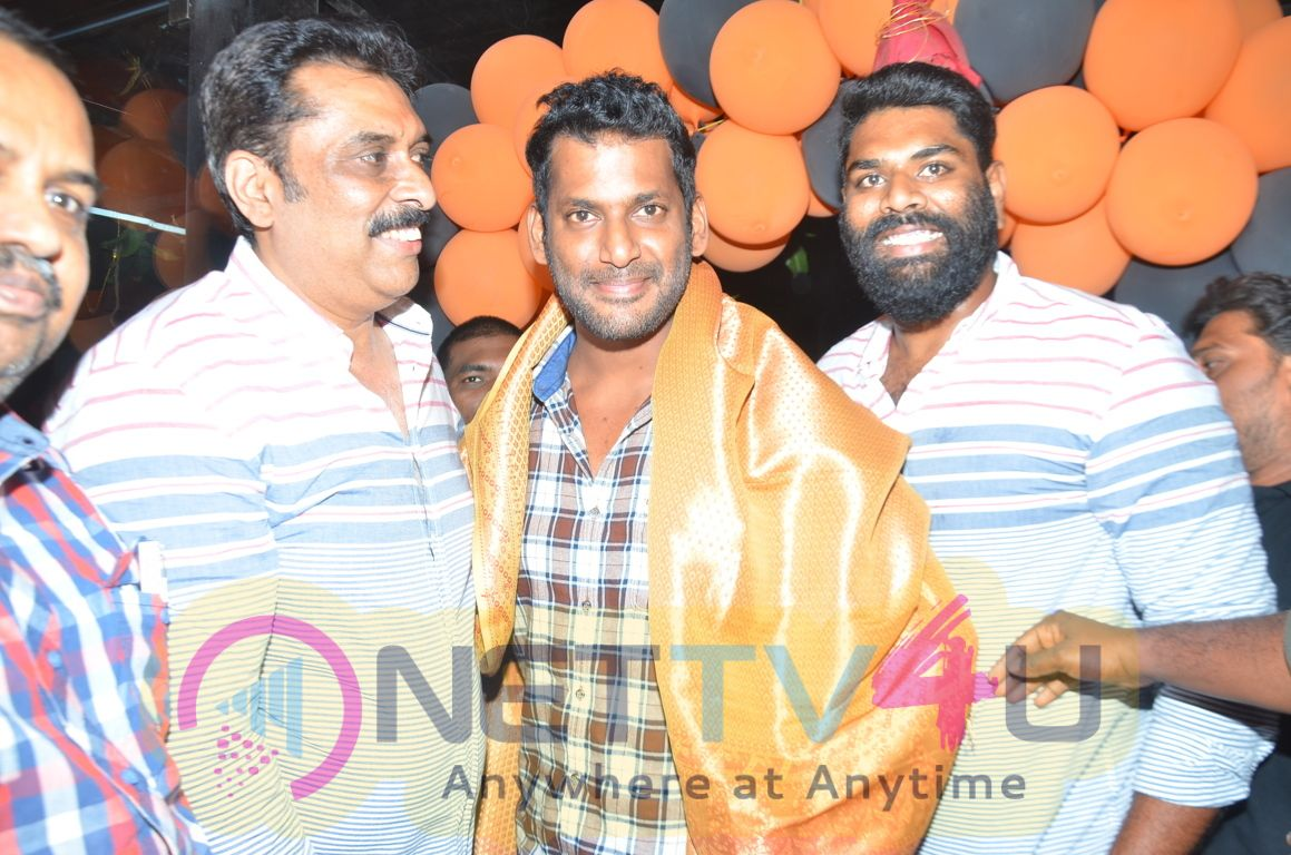 Vishal Launches V Square Sports Pics Tamil Gallery