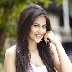 Kahkkashan Aryan Hindi Actress