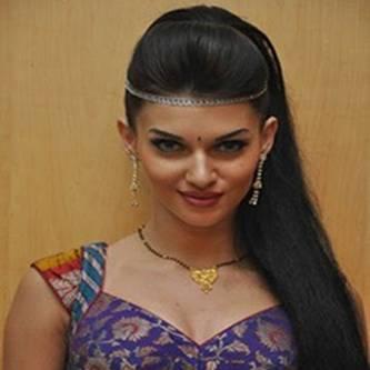 Scarlett Mellish Wilson Hindi Actress