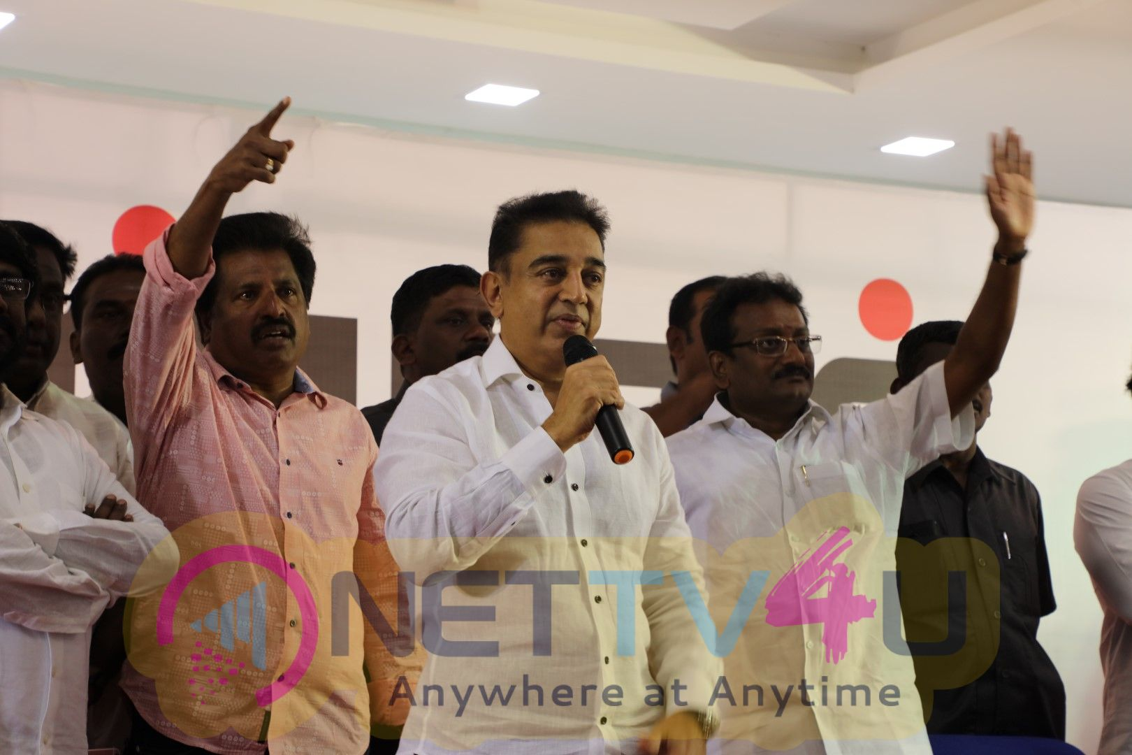 Kamal Haasan Meet Fishermen At Rameswaram Images