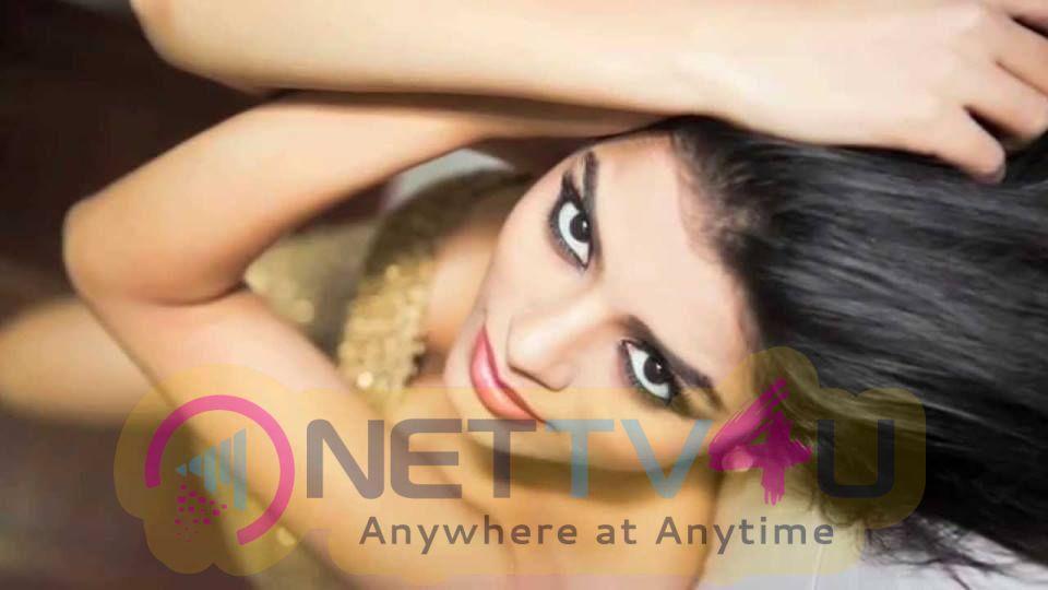 Sonali Raut Images