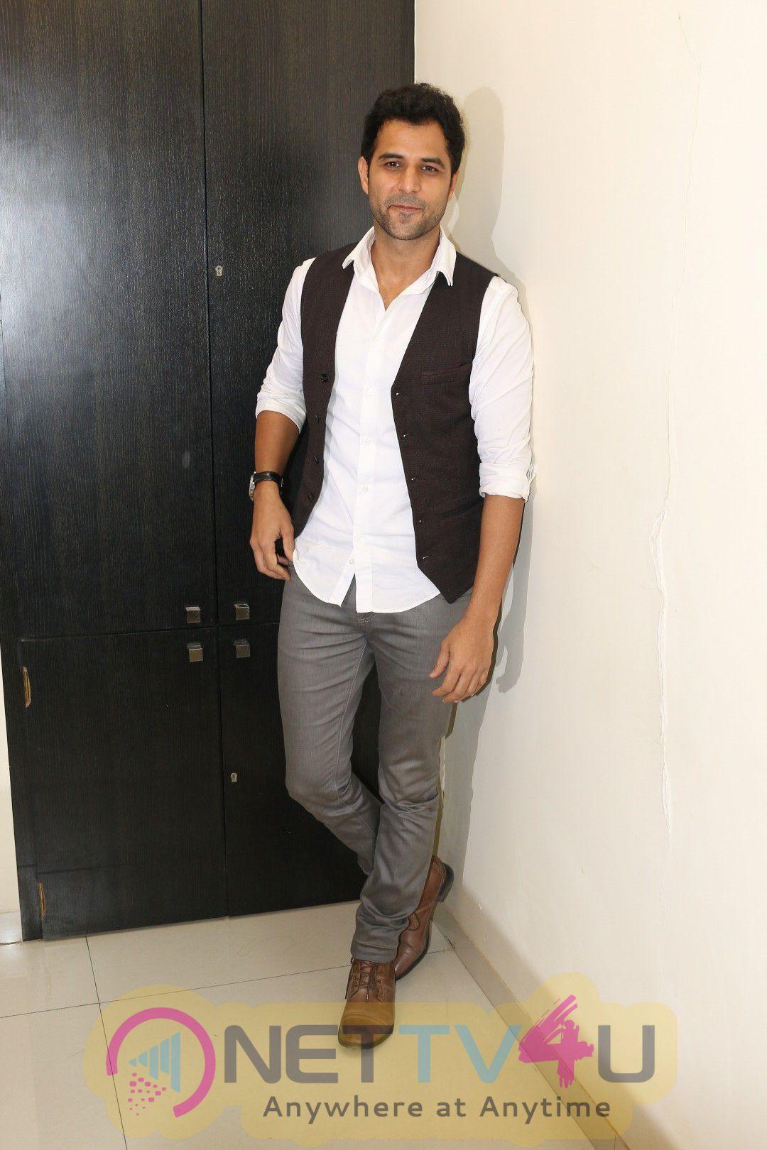 Launch Of The Single Waada Raha Sanam With Gurmeet Choudhary Cute Photos Hindi Gallery