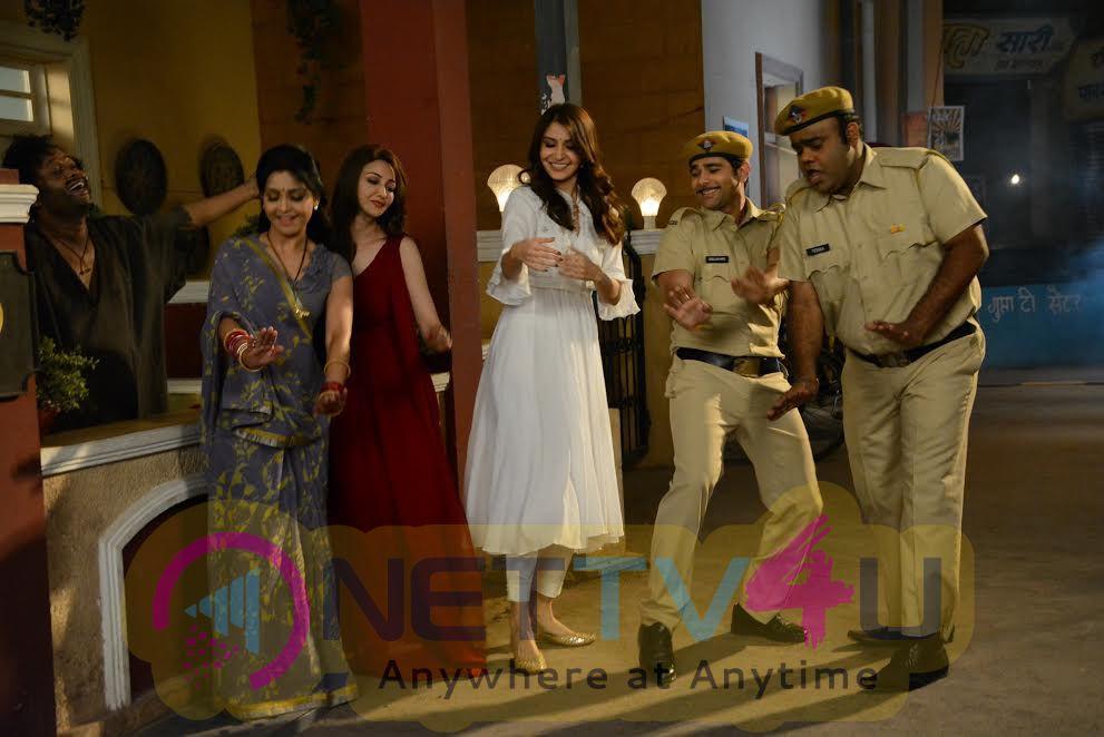 Photos Of  Anushka Sharma On The Sets On Bhabhi Ji Ghar Par Hai