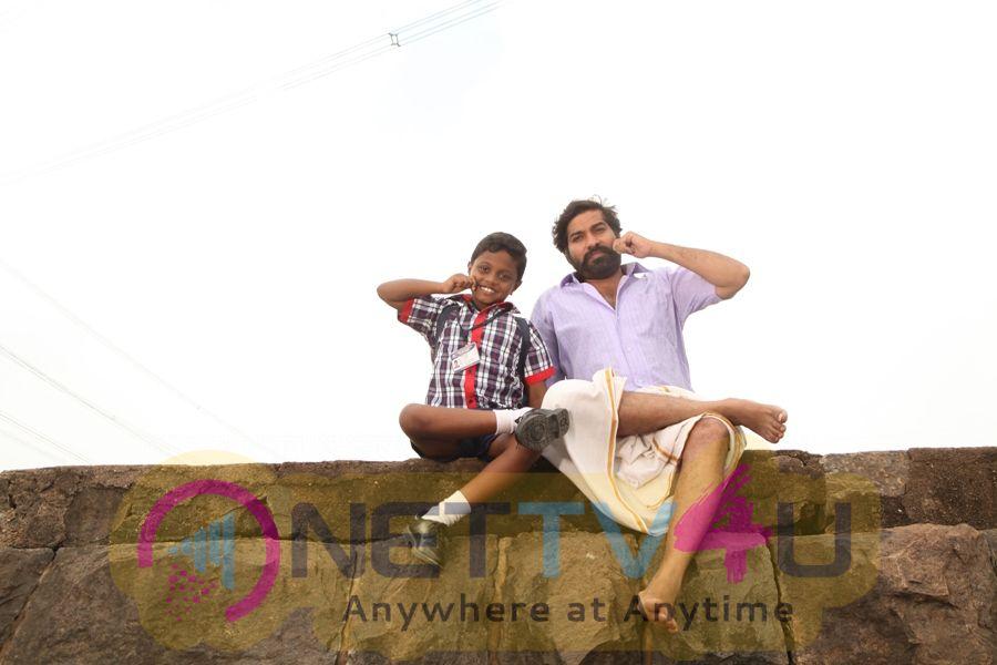 Kudimagan Movie Images