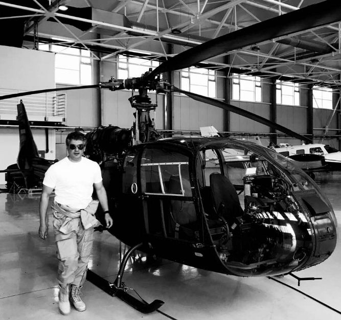 Ajith's Stylish Pose From Vivegam! Tamil News
