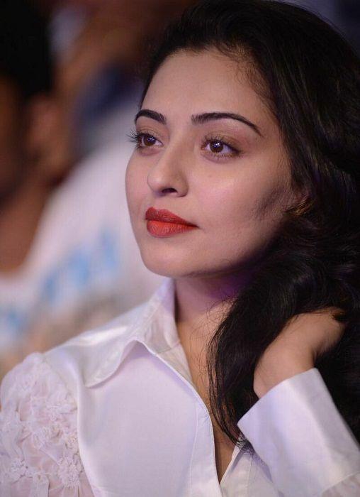 Actress Mumtaj Gorgeous Pics Tamil Gallery