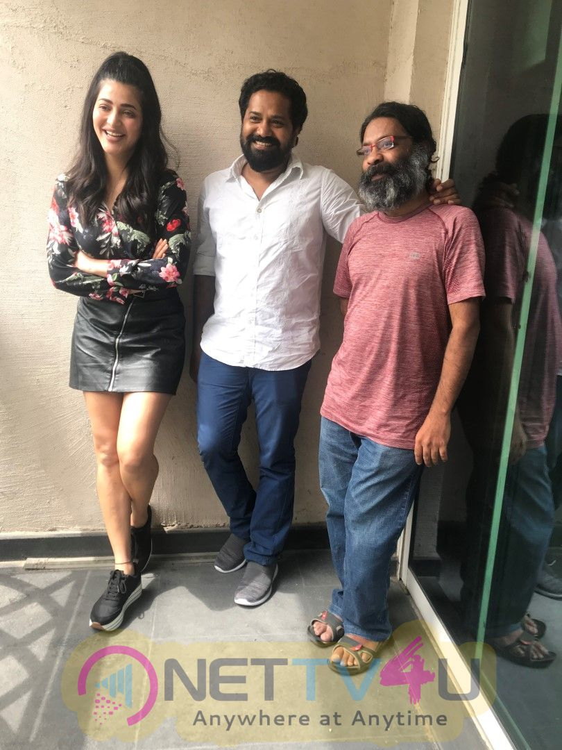 Shruti Haasan To Produce The Mosquito Philosophy Movie Under Her Banner Isidro Media Cute Images