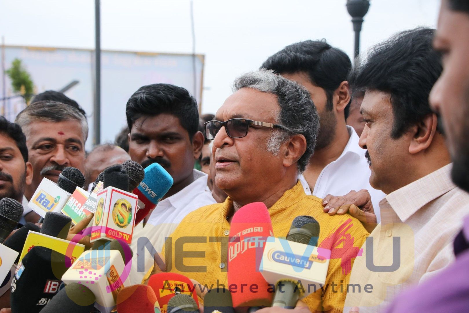 Nadigar Sangam Office Bearers Payed Respect To Great Actor Sivaji Ganeshan