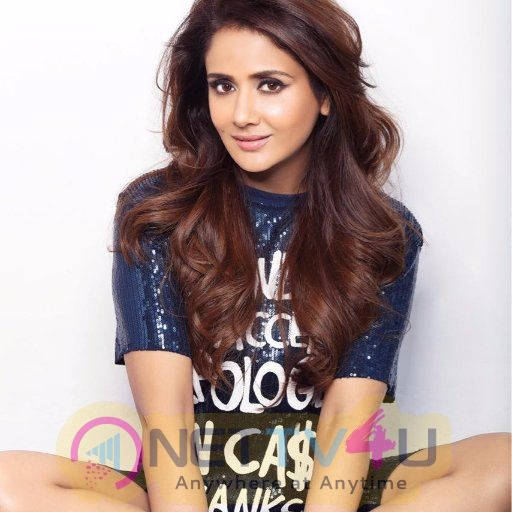 Actress Parul Yadav Good Looking Photos