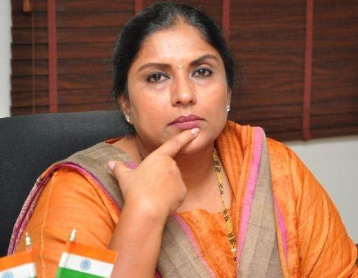 Sripriya's Counter To A Critic!