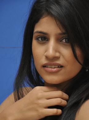 Shwetha Pandit Taken Aback In A Public Place