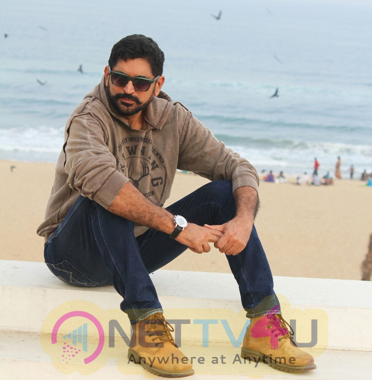 Director Suresh Chandra Menon Good Looking Photos Tamil Gallery